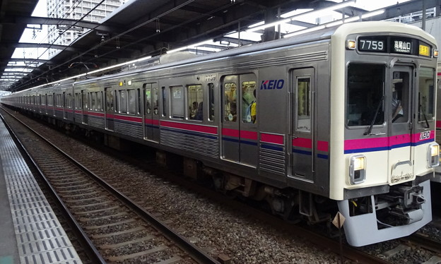 京王線系統7000系(第82回日本ダービーの帰り)