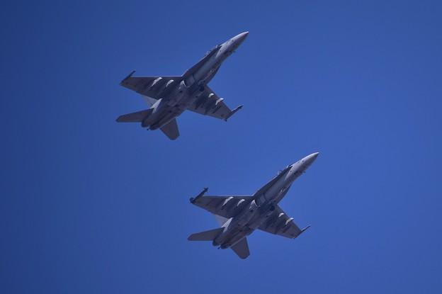 ある日の厚木基地 岩国から飛来のBATS・・フォーメーションで 20141122