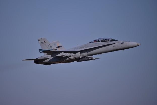 厚木基地から岩国へ帰投 低空からテイクオフVMFA-242BATS07 F/A-18D・・20141122