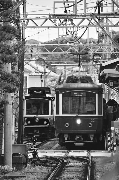 モノクロの風景。。江ノ電レトロ電車共演。。6月20日