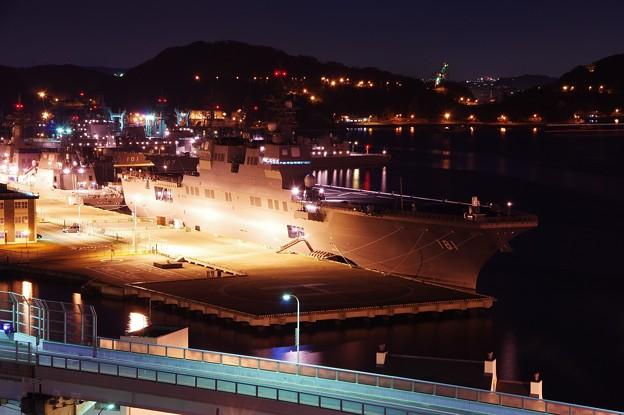 横須賀基地逸見岸壁いるDDH-181護衛艦ひゅうが・・20141223