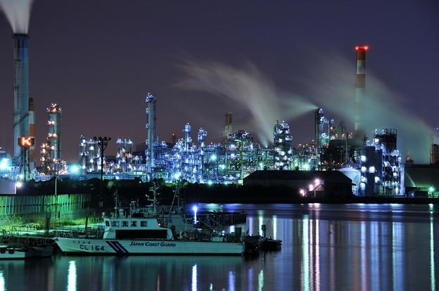ある寒い夜中。。水江運河から見る工場夜景・・20141227