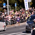 Photos: 颯爽と駆け抜けて箱根駅伝 復路 沿道の応援も励みに・・20150103