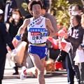 Photos: 復路9区 鶴見中継所手前のランナー:日体大・・20150103