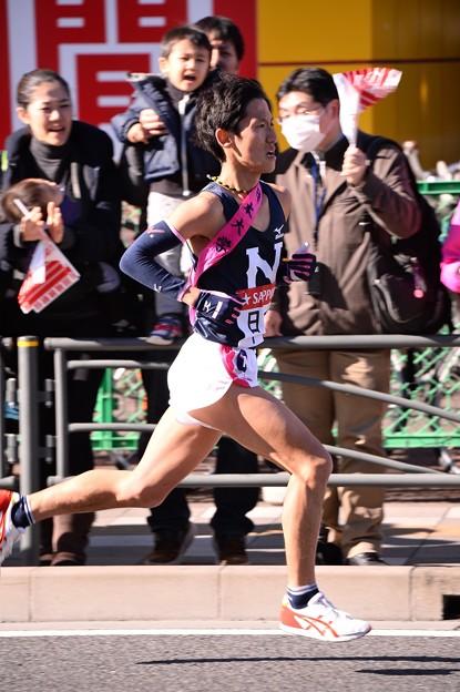 Photos: 復路9区 鶴見中継所手前のランナー:日大・・20150103