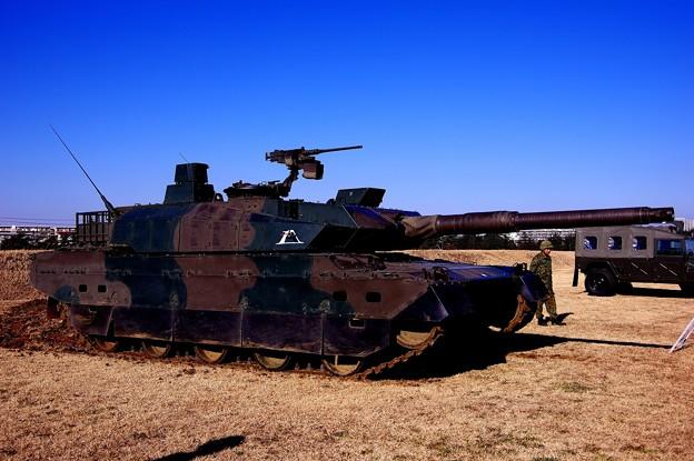 10式戦車スリムなスタイルで・・20150111