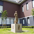 Photos: 健康の像が新市民病院にきた!!