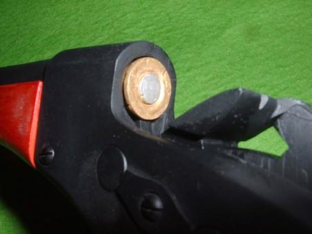 ローリングブロックを回転させチャンバーにカートリッジを装填   Doburoku-TAO