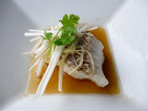東星ハタの蒸しもの香港スタイル 葱生姜のフィッシュソースで