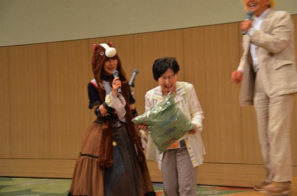 ご自身が製作して提供した賞品を獲得してしまった福田夫人さま