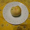Photos: 我が家の庭で桃が熟れた
