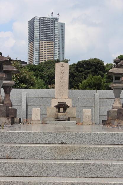 27.8.16山田顕義墓