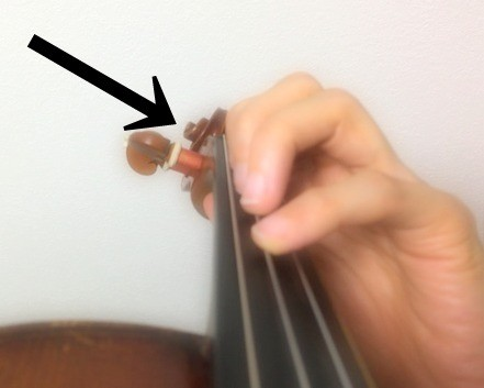 中野・江古田 バイオリン 個人レッスン ヴィオラ 吉瀬弥恵子 ワイズ音楽教室 楽器の頭に注目
